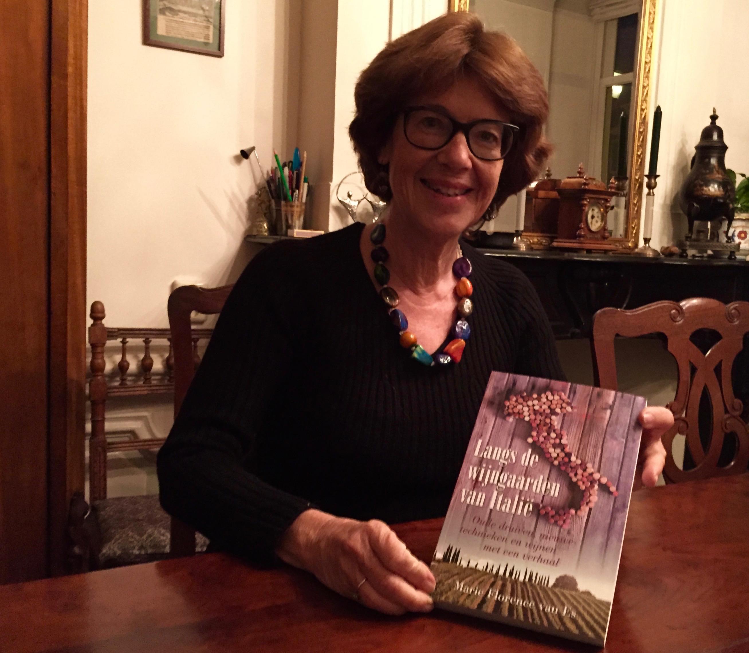 """""""Langs de wijngaarden van Italië"""" Marie Florence van Es"""