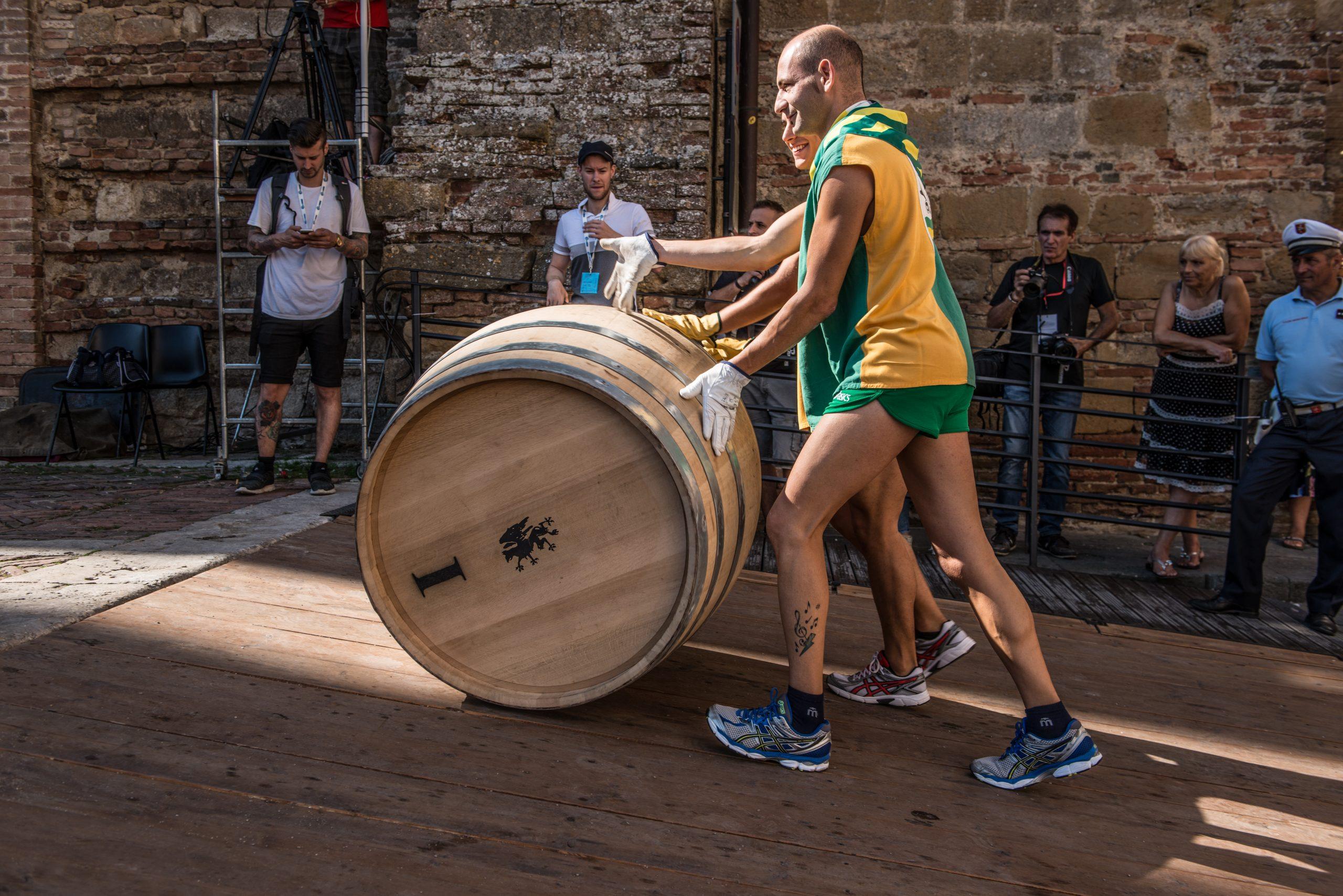 """Hardlopen met een wijnvat """"Bravio delle Botti"""""""